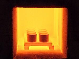 Vypálené vzorky před vyjmutím ze superkantalové pece